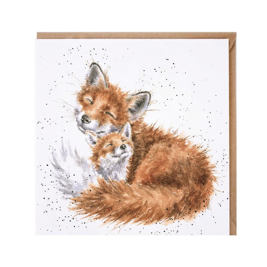 Wrendale Doppelkarte mit Umschlag, Motiv Fuchs kuschelt mit Fuchsbaby, 15x15 cm