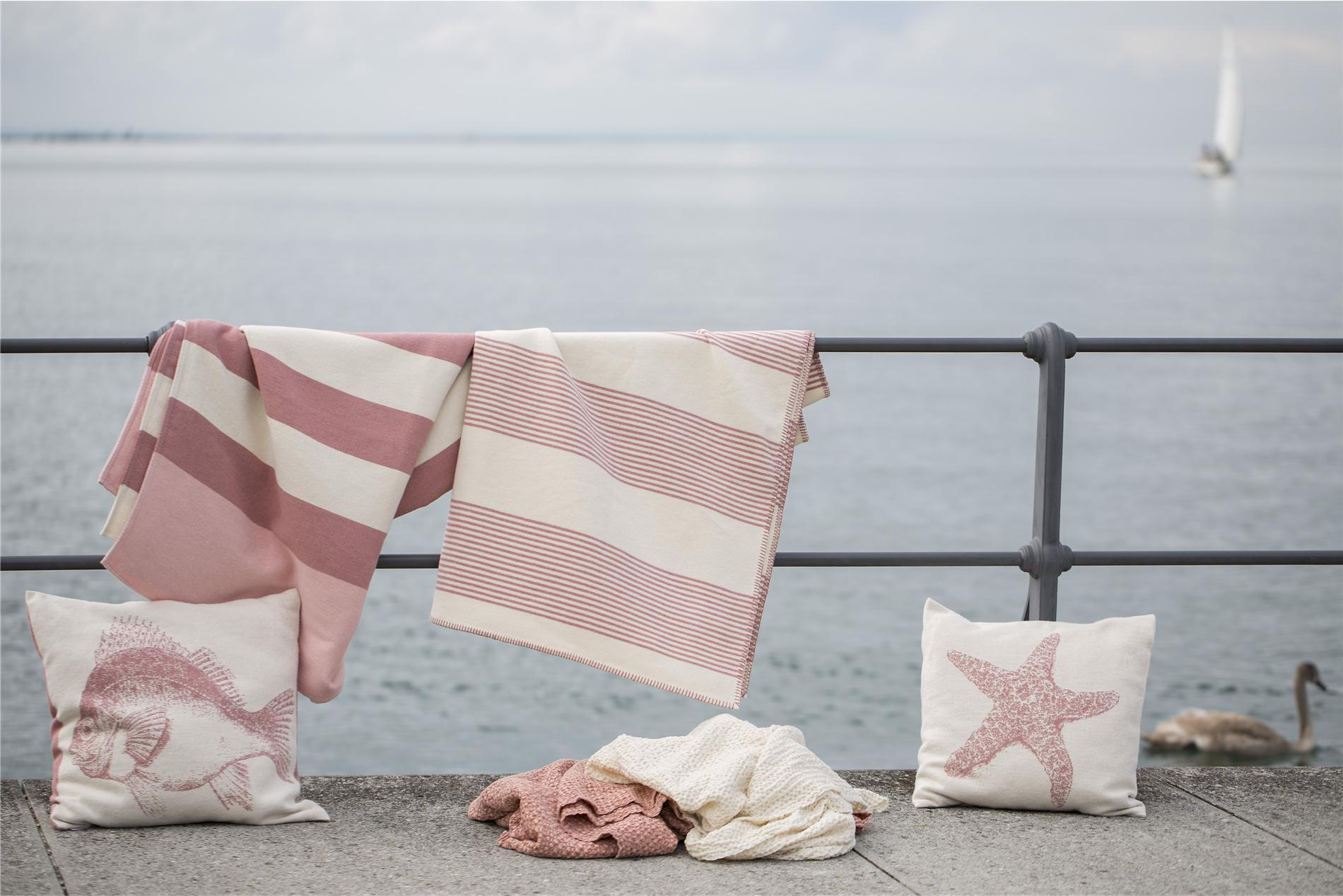 DAVID FUSSENEGGER Decke, Bettüberwurf Nova, Blockstreifen rosa/weiß/boreaux, rouge145x220 cm